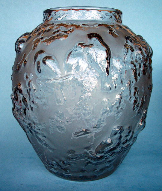 MASSIVE SIGNED MULLER FRERES MOLD BLOWN VASE BIRDS