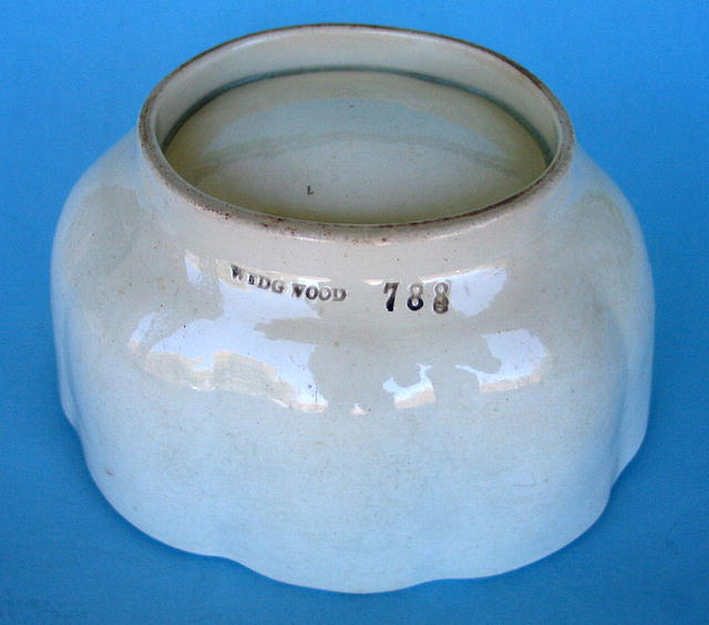 19th CENTURY WEDGWOOD MOULD MOLD PUDDING JELLO