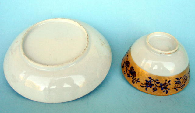 18th/19th C CHINESE TEABOWL AND SAUCER KAKIEMON STYLE