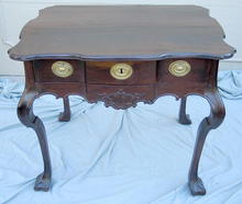 INCREDIBLE CHIPPENDALE DESK / TABLE 18th C AMERICAN