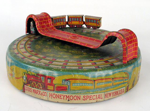 EARLY MARX HONEY-MOON EXPRESS WIND UP TOY RARE SMALLER