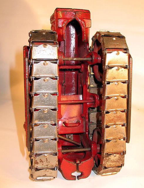 ARCADE INTERNATIONAL TRACTRACTOR CAST IRON TRACTOR
