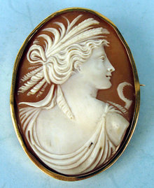 LARGE VICTORIAN SHELL CAMEO OF WOMAN W SCYTHE 14K GOLD FRAME