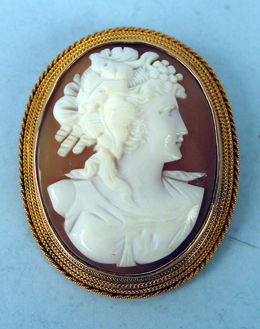 VICTORIAN 14K GOLD CAMEO DATED 1858