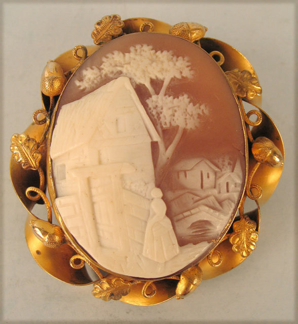 INTERESTING VILLAGE SCENE ANTIQUE CAMEO WOMAN IN TOWN ACORNS LEAVES GOLD FRAME