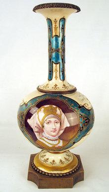 MUSEUM QUALITY IMPERIAL RUSSIAN ENAMEL ON PORCELAIN VASE ANTIQUE WOMAN WITH KOKOSHNIK