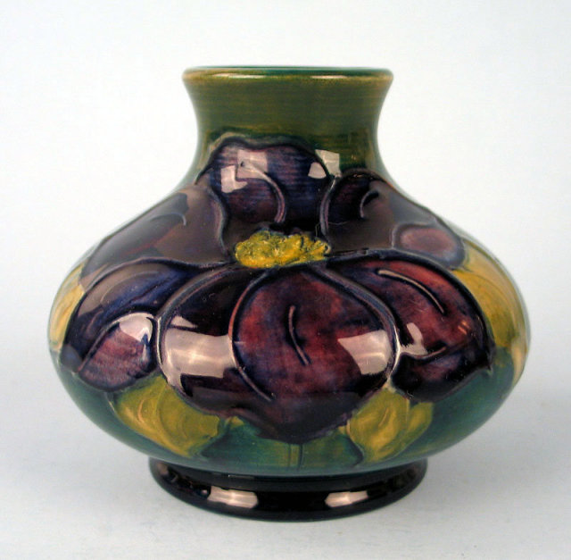 BEAUTIFUL WALTER MOORCROFT EARLY CLEMATIS VASE