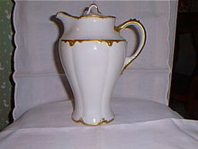 Haviland Limoges Chocolate pot, Schleiger 806