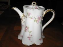 Haviland Limoges Coffee/tea pot, Schleiger 37