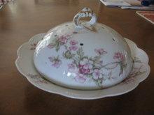 Haviland Limoges Pancake Server, Schleiger 241A, Wild roses