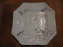 Haviland Limoges Dinner plate, fleur Saxe pattern on Arabesque blank