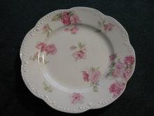 Haviland Limoges Bun Plate Schleiger 39C, Roses