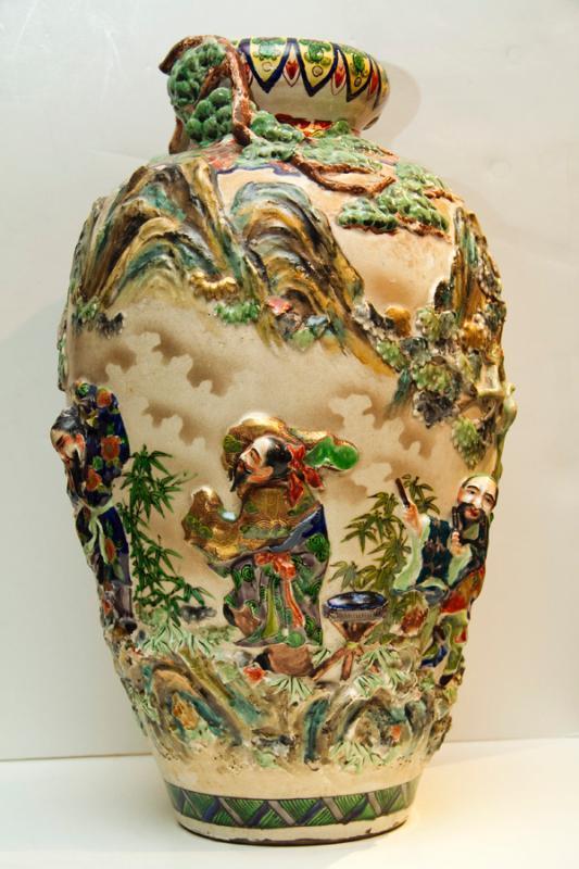 Antique Japanese Meiji Satsuma Earthenware Vase
