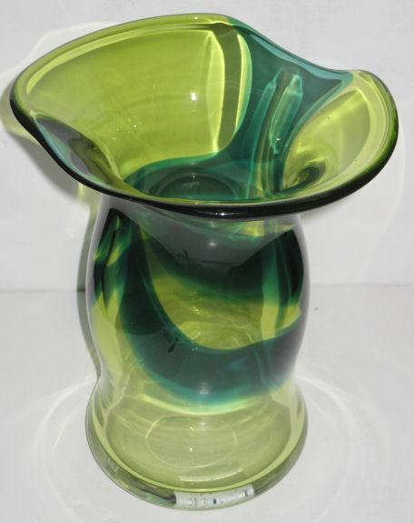 Mid-Century Modern Goran or Ann Warff Swedish Glass Vase for Kosta Boda