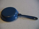 ENAMELWARE TOY FRYING PAN