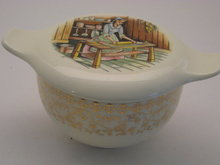 TST EARLY AMERICAN HOME DESIGN W/GOLD FILIGREE  SUGAR BOWL W/LID