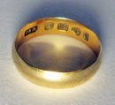 Antique Victorian English 18ct Yellow Gold Wedding  Band Ring. Chester  1882