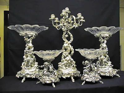Table Garniture