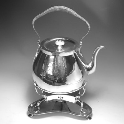 Kettle on stand