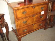 English Chest of Drawers Walnut
