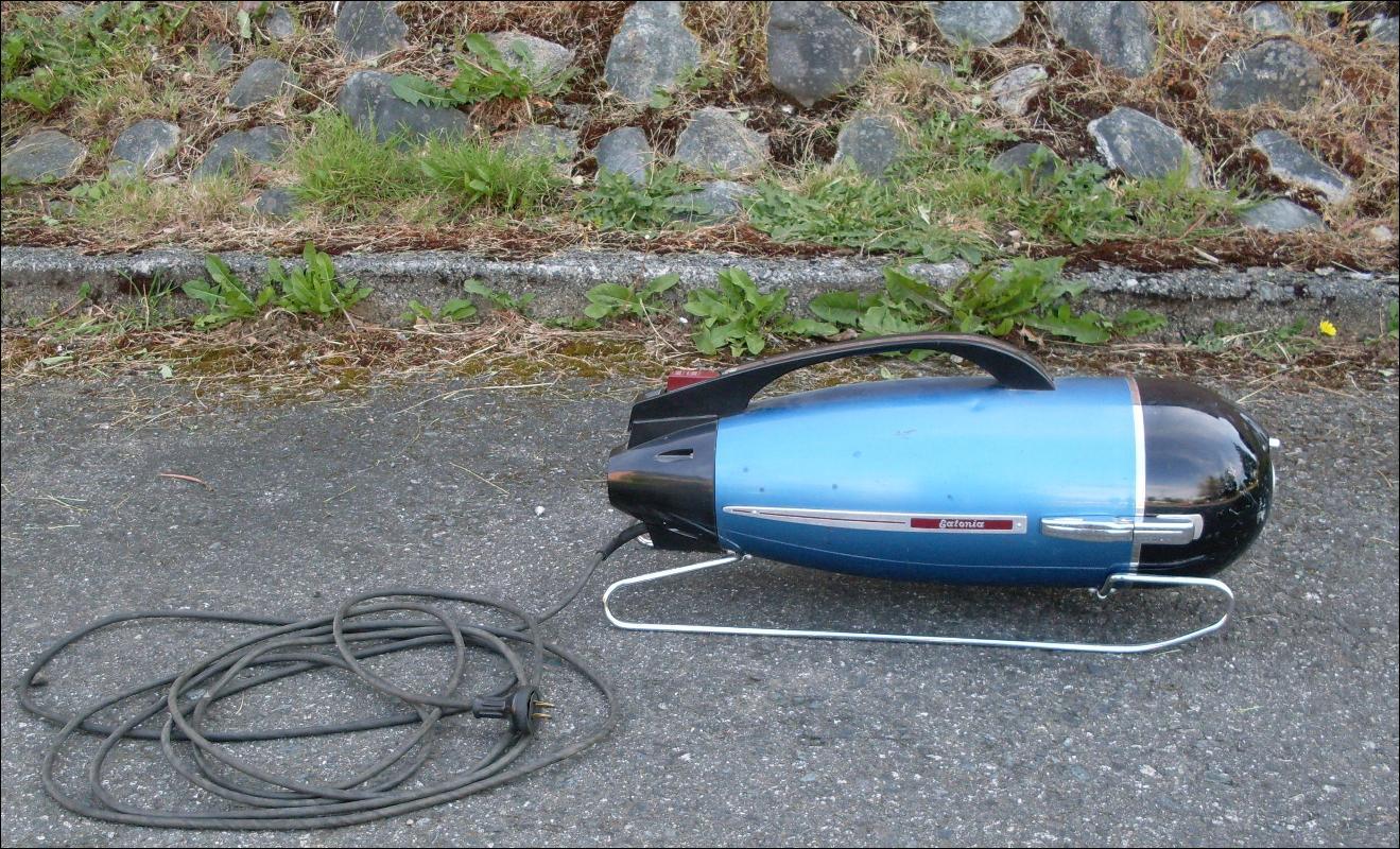 RARE FIND!!! Torpedo Style Vacuum Cleaner