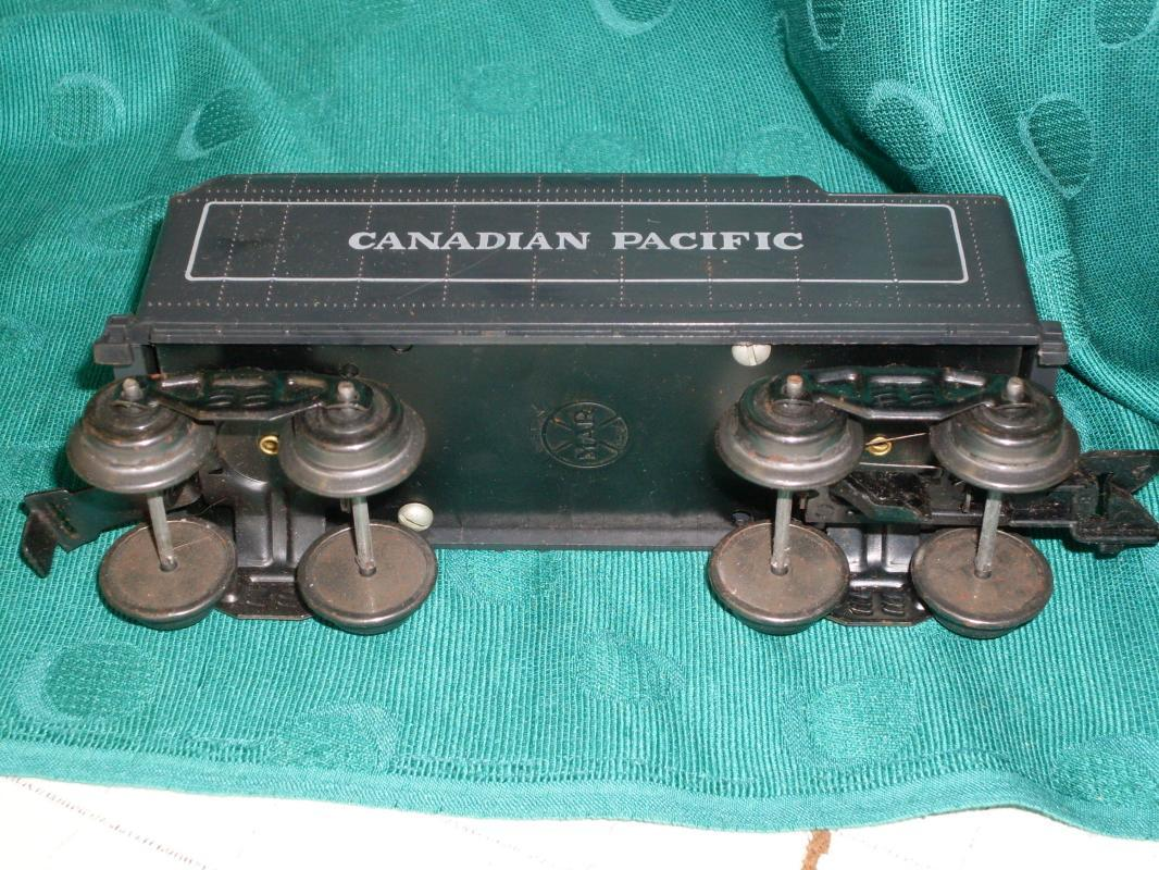 Louis Marx U.S.A. Toy Railroad Train Set Stamped CPR  Canadian Pacific Railway  Marx Electric Transformer  with RED RESET Button LARGE LOT over 43pcs