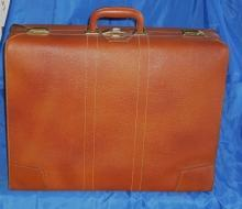 Nice 1950's -60's Mid-Century RED CAP Warranted REAL LEATHER Luggage Bag SUITCASE