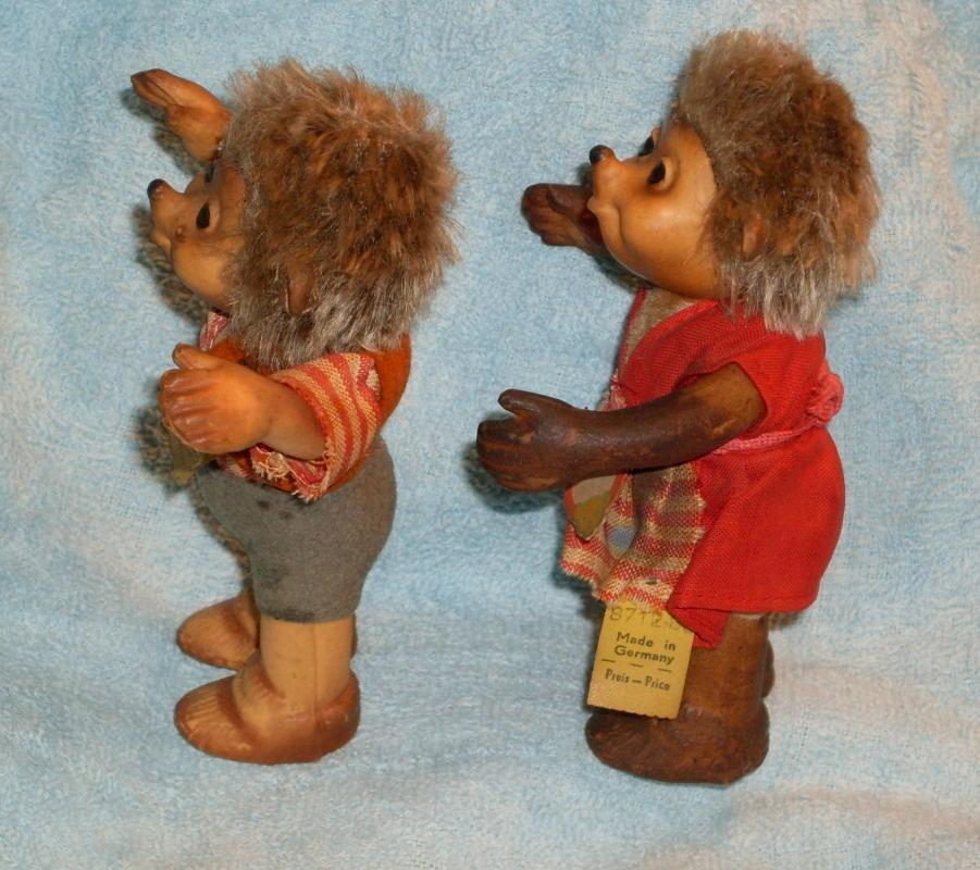 vintage STEIFF Hedgehogs Macki + Mucki  with Tags  4 1/2 INCH High