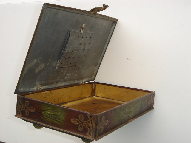 CIGAR BOX HUMIDOR TINWARE Metal  footed model Country Tavern Scene with Latch to lock 1930's era