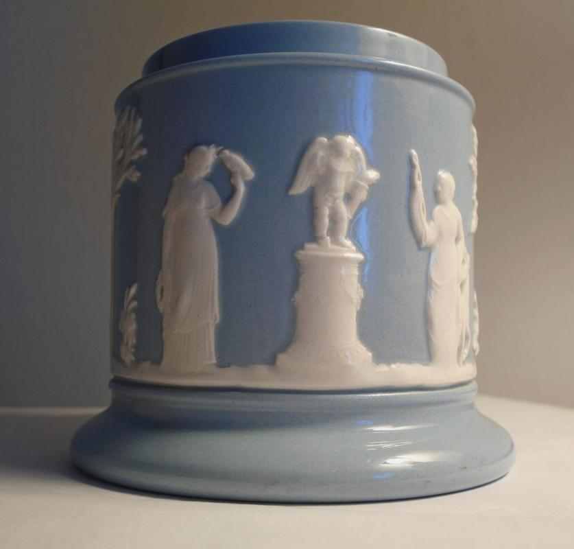 WEDGWOOD Ofetruria and Barlaston Queensware Queen's Ware POT