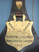 British ANTIQUE ROADSHOW Artifacts  ~~ ESTATE Metalware ANTIQUE HORSE BRASSES 18 pcs  Circa 1890-1902 LARGE LEATHER SHIELD  MERIT Badge T.Moy Ltd  To: Jeff -Best Suffolk Horse. FELIXSTOWE+District  Horse Parade Society BRITISH HISTORICAL  Artifact