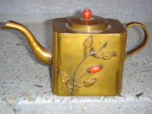 Metalware SOLID BRASS Little Tea Pot. Short and Stout. Just tip me over and Pour me out ! Early 1900 CHINA