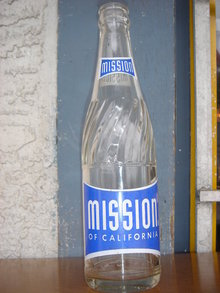 NO DAMAGE...MINT condition_Collectible POP Bottle Beauty of this Specific MISSION OF CALIFORNIA POP BOTTLE ~ 10 FL OZ ~ in Excellent Condition~ Painted Label Soda Bottle