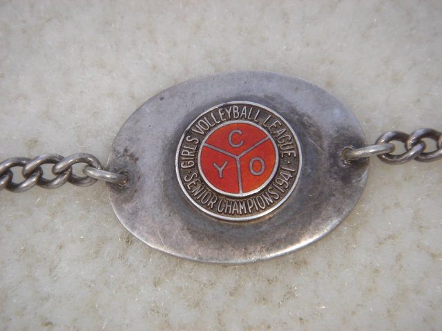Sports Memorabilia STERLING SILVER BRACELET Circa 1941  GIRLS VOLLEYBALL in Excellent Condition