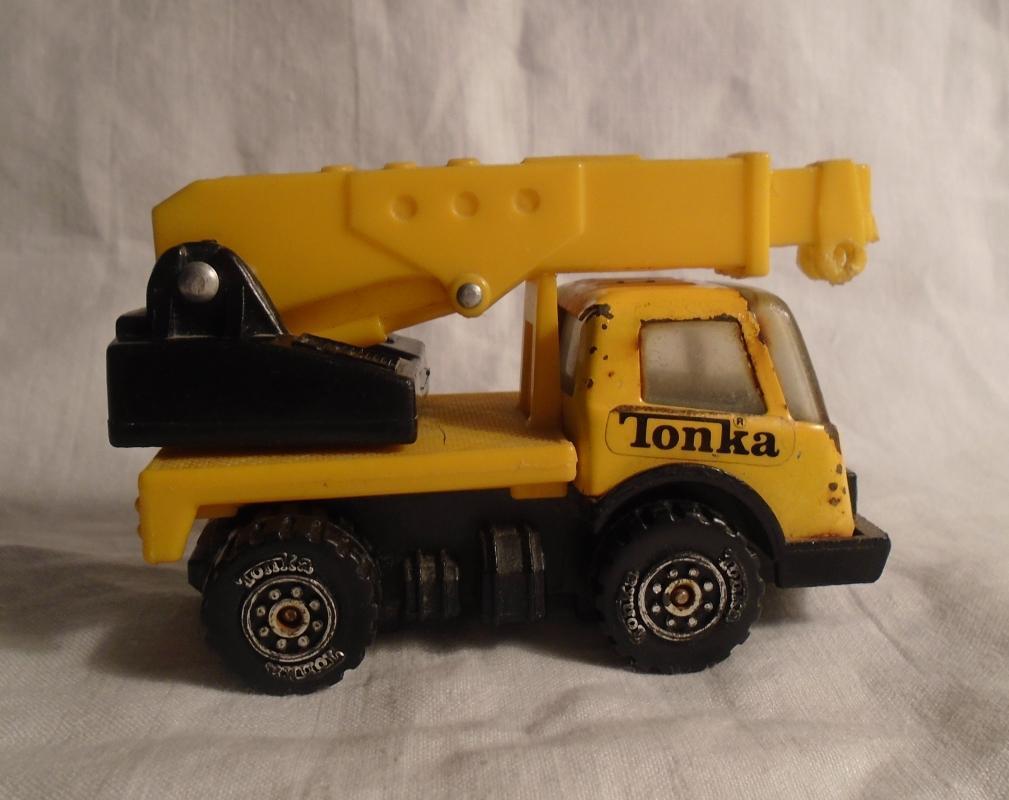 1970s Pressed Steel TONKA CRANE  Metal mini Truck _adjustable plastic crane arm