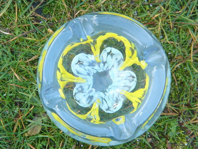 $139.00 Collectible __Attributed to : St. Clair ART GLASS Ashtray - Paperweight. __WOW, the skill of placing Bubble between each Flower.