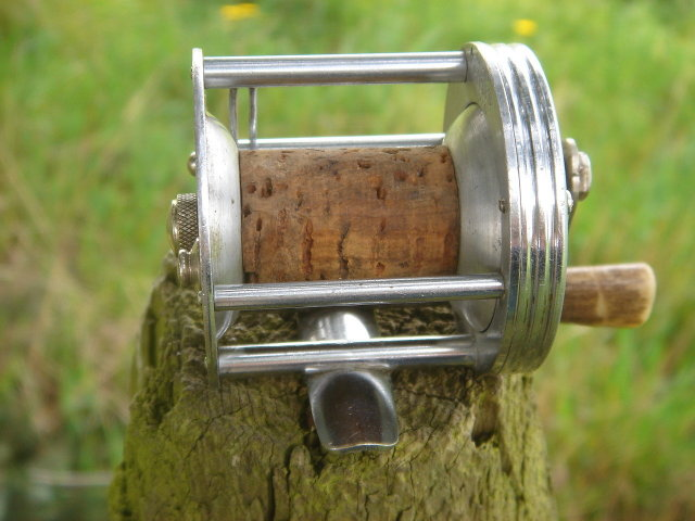 Sports Fishing Memorabilia _Unusual FISHING REEL _