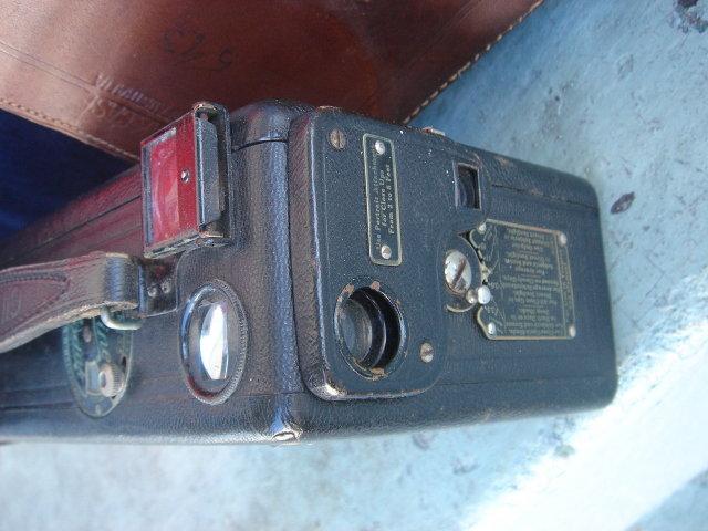 Antique Circa 1926 Cine Kodak Movie Camera Eastman Kodak co. Rochester, New York    Genuine Original Leather Case with strap.
