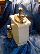 Soda Pop _ Fountain Vanilla syrup Dispenser Vanilla _ Heavy Pottery / porcelain Container with metal pump / spout  NO DAMAGE see pic#3 Water Flow