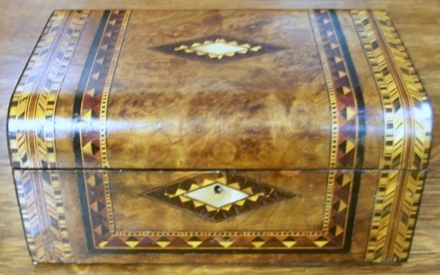 Antique English Burl Walnut Inlaid Dome Topped  Vanity Box, 1870