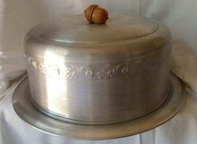 Cake Saver by West Bend Aluminum with Acorn