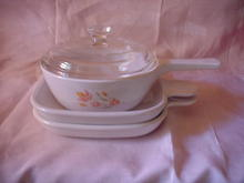 Corning Ware Small Saucepan with Lid and 2 Grab It Plates