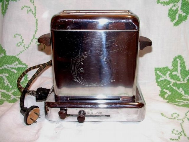 Toaster with Bell Timer by Dominion Mansfield Ohio