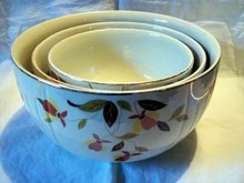 Hall Jewel Tea Autumn Leaf Nested Bowls