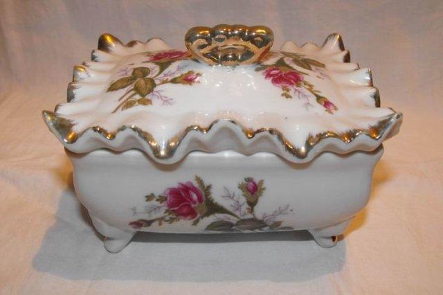 Moss Rose Dresser Box by Tilso Japan