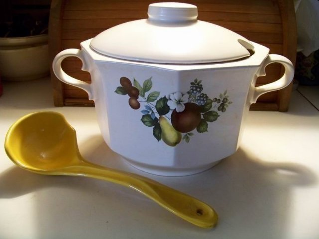 McCoy Soup Tureen and Ladle Fruit Design