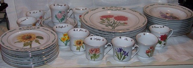 Flowers of the Month Dinnerware Domestications