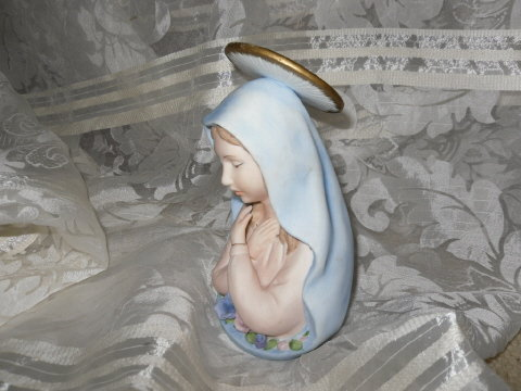 Lefton Porcelain Madonna Figurine