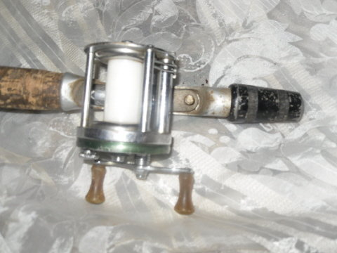 Vintage 1964 Shakespeare Marhoff  Fishing Reel