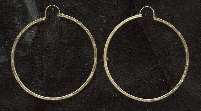 10 KT Gold Hoop Earrings